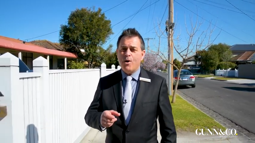 Real Estate Agent Tour - Real Estate Video